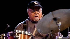 "Murió Jimmy Cobb, el baterista de Miles Davis en ""Kind of Blue"""